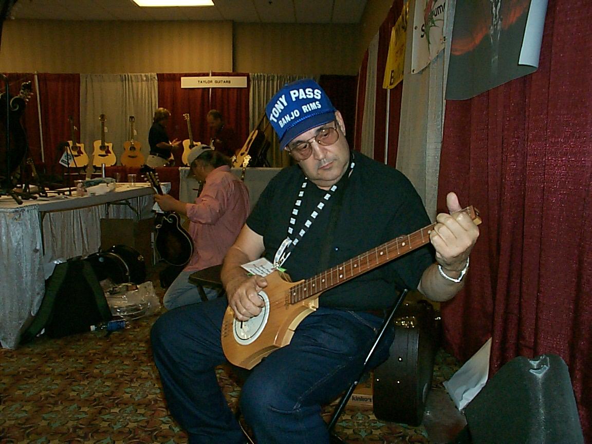 Tranjo Page -- The Ultimate Travel Banjo